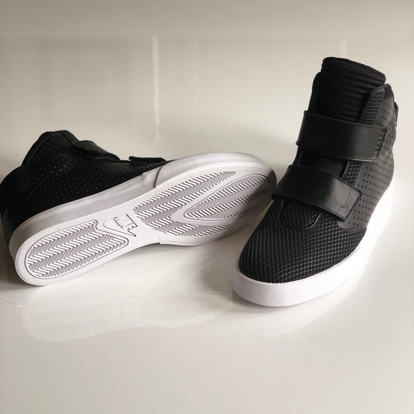 da56c3af1c74 Nike Flystepper 2K3 Premium (1 Left) Sz 12